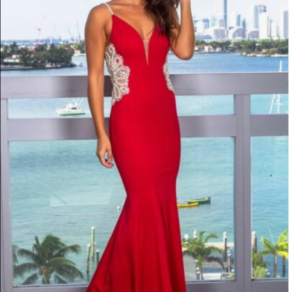 Dresses & Skirts - Red Formal Dress